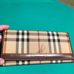 Burberry Nova Chek Signature Plaid Clutch Wallet